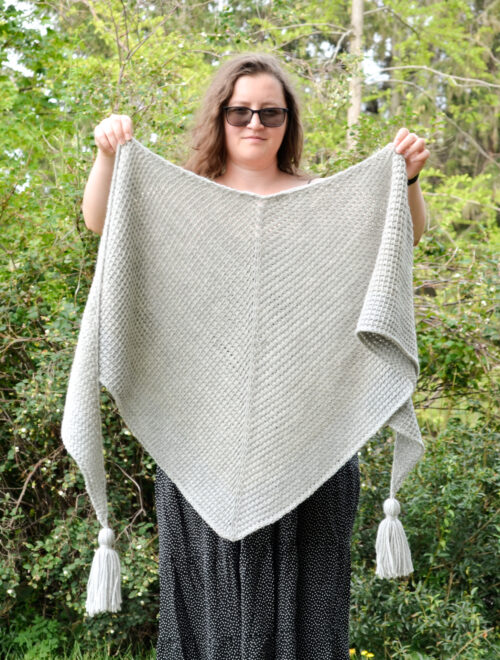 Phyllite - Tunisian crochet easy shawl pattern - showing the draping of the shawl