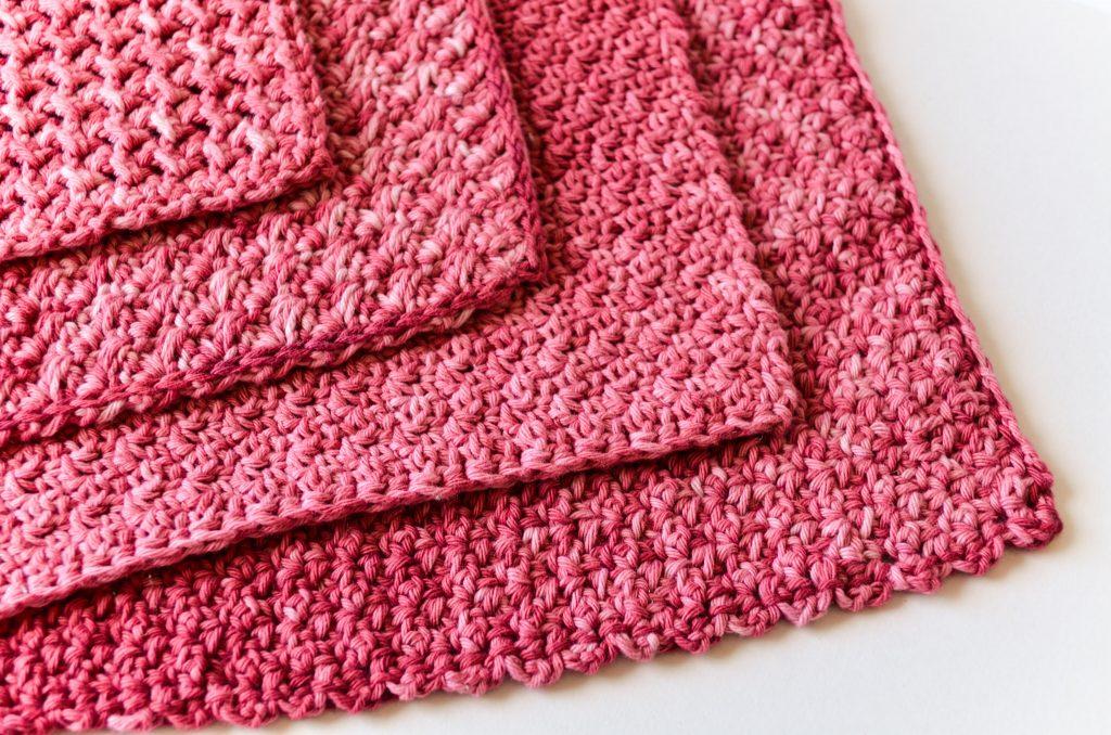 Beautiful crochet washcloth free pattern - corners of different washcloths