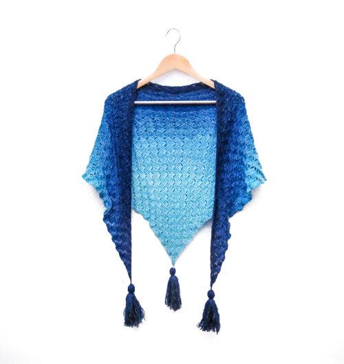 Callatis - free C2C triangle shawl on a hanger