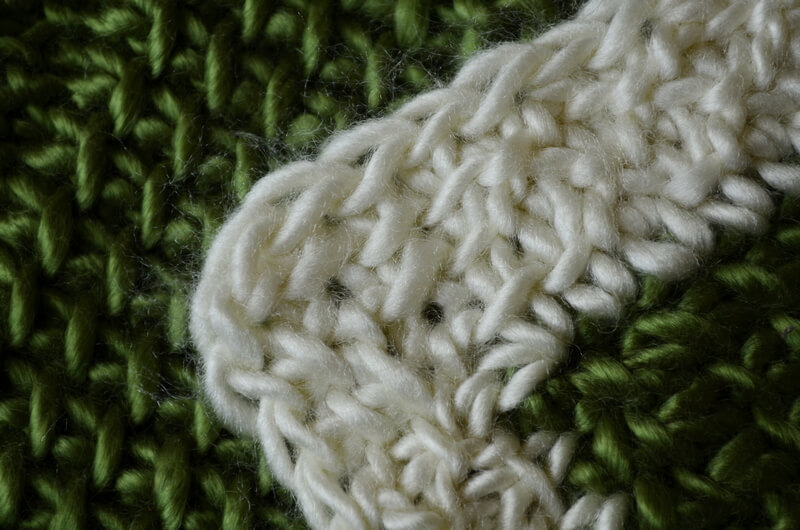Style 2 of corner in a border for curling Tunisian crochet